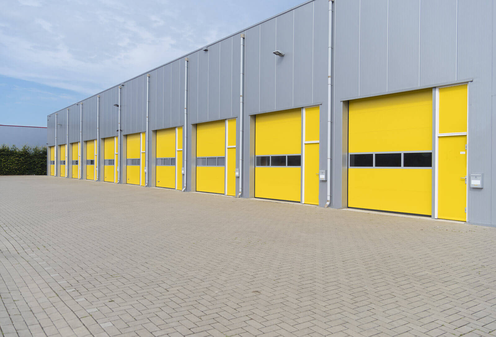 3 Reasons To Skip The Warehouse And Rent Self Storage For Businesses