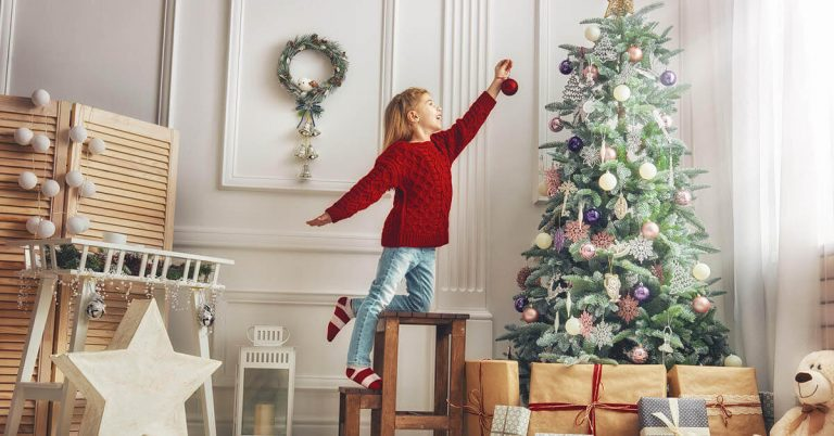 6 Easy Tips for Storing Your Holiday Decorations | StorageMart