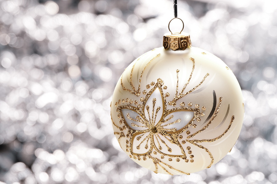 Keeping It Sparkly and Bright: How to Clean Christmas Ornaments