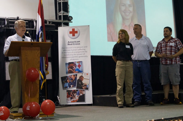 StorageMart Gives Red Cross Award