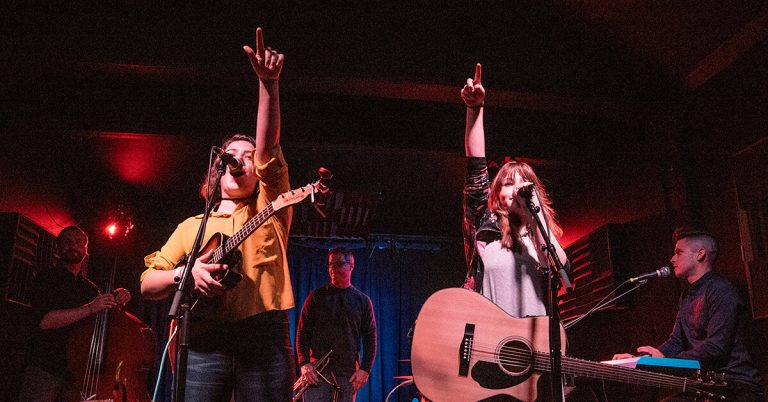 Burney Sisters live at Rose Music Hall