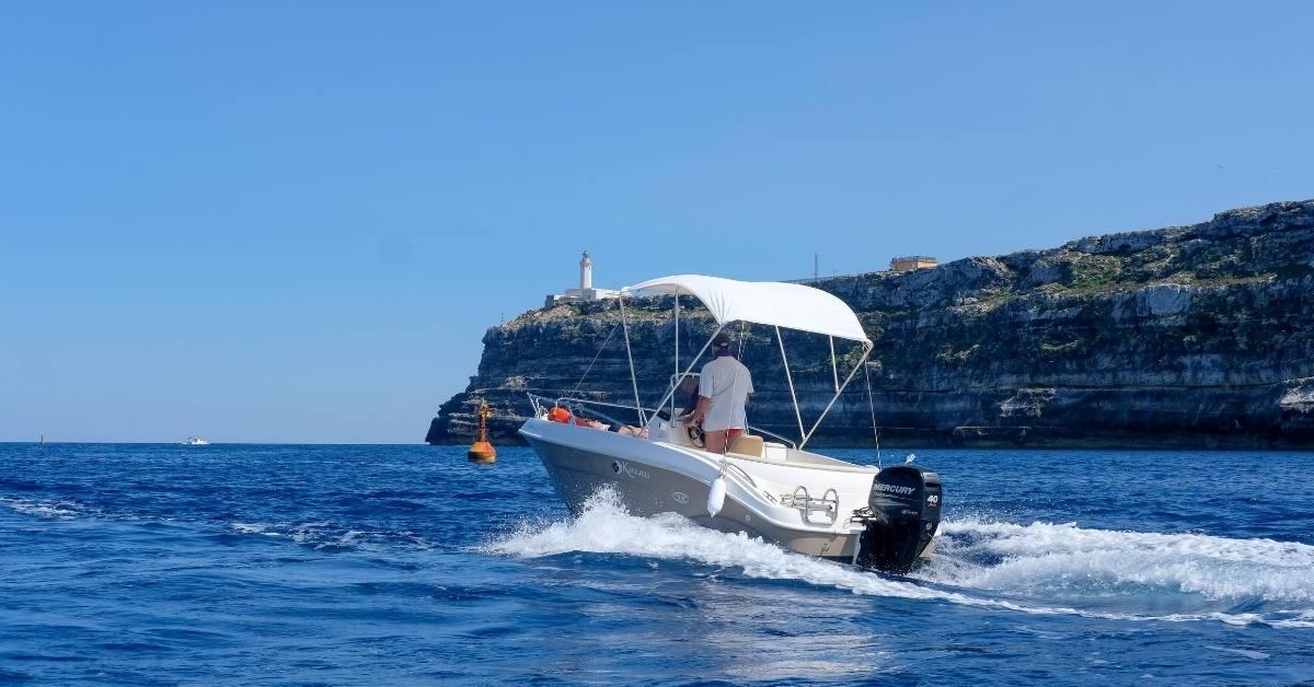 Storing a Boat: Indoor vs. Outdoor